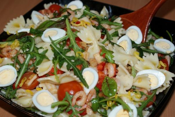 Салат с морепродуктами с руколой рецепт